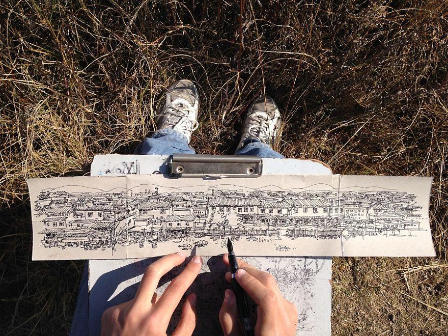 Atık Kağıtlara Resim Çizerek Temiz Çevre Mesajı İleten Sanatçı