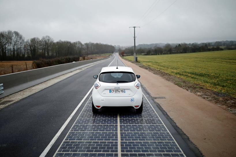 Dünya'nın İlk Solar Panel Yolu Fransa'da Yapıldı