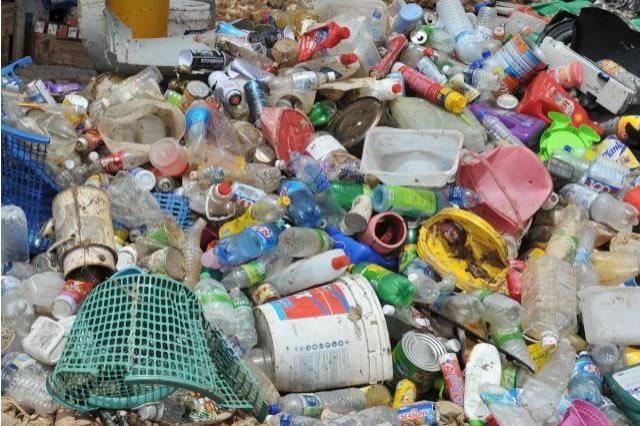 Geneva set to ban single-use plastics